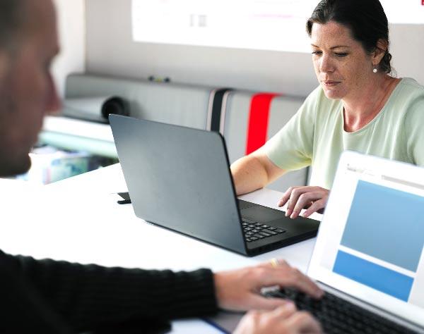 Une aide à domicile administrative et informatique à Saint Sulpice